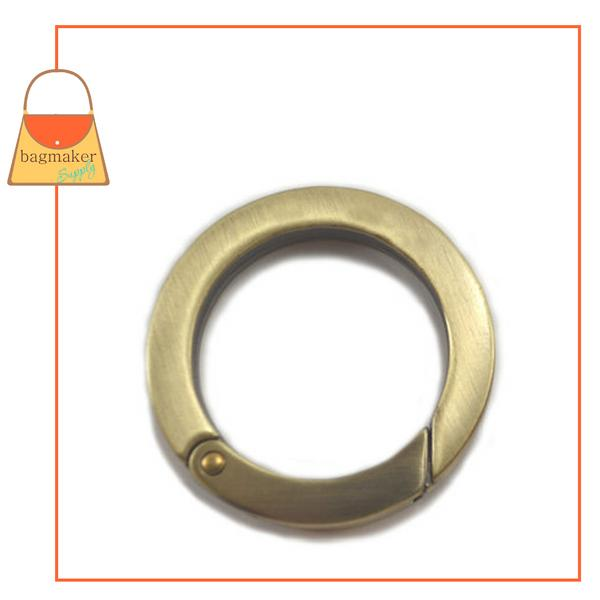 Representative Image of 1-1/4 Inch Flat Cast Spring Gate Ring, Light Antique Brass / Antique Gold Finish (RNG-AA116))
